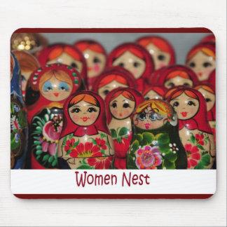 Women Nest, Russian Nesting Dolls Mouse Pad