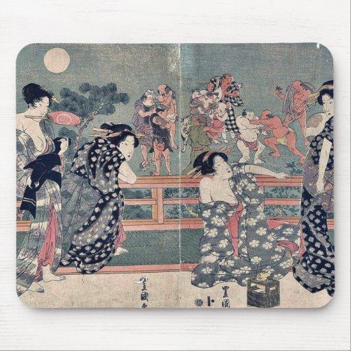 Women watching a sumō match by Utagawa,Toyokuni Mousepad