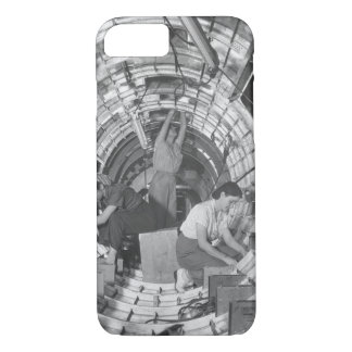 Women workers install fixtures and_War image iPhone 8/7 Case