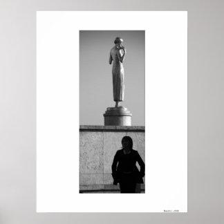 WOMEN'S SILHOUETTE (bw) Paris Poster
