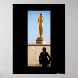 WOMEN'S SILHOUETTE - Paris Poster