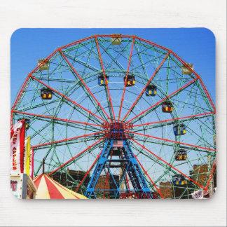 Wonder Wheel - Coney Island, NYC mousepad