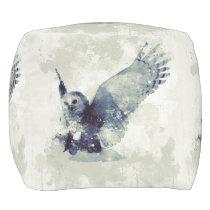 Wonderful owl in watercolor pouf