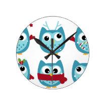 Wonderful owls blue on white round clock