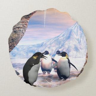 Wonderful penguin round pillow