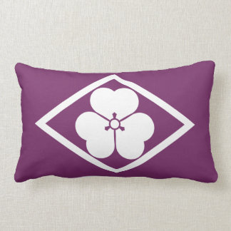 Wood sorrel in rhombus lumbar pillow
