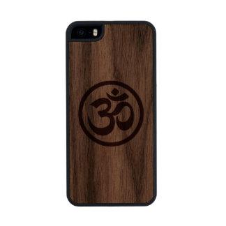 Wood Yoga Om Circle Carved® Walnut iPhone 5 Case