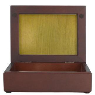 Wooden pattern memory box
