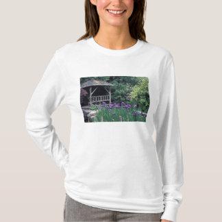 Wooden pavilion in the Sunken Garden in T-Shirt