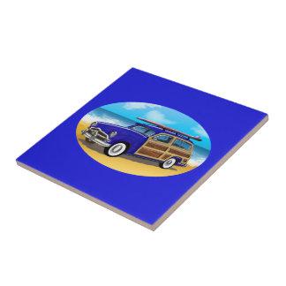 Woodie azul en la playa de oro teja  ceramica