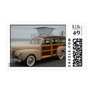 Woodie en la playa sellos postales
