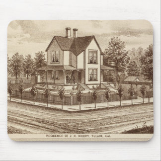 Woody res, Bank of Tulare Mousepads