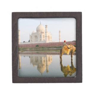 World famous Taj Mahal temple burial site at Premium Jewelry Box