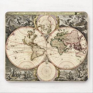 World Map by Nicolao Visscher circa 1690 Mouse Pad