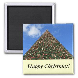 World s Largest Christmas Tree Magnet