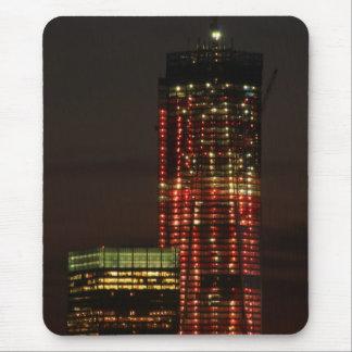 World Trade Center encendido para arriba en cierre Alfombrillas De Ratón