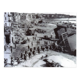 World War II    troops disembarking, Anzio Postcard