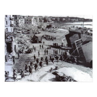 World War II    troops disembarking, Anzio Postcard