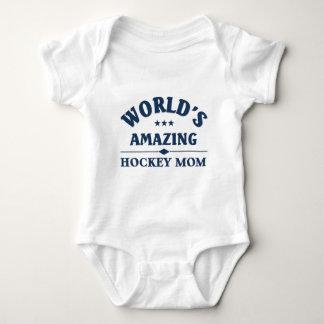 World's amazing Hockey Mom Tshirt