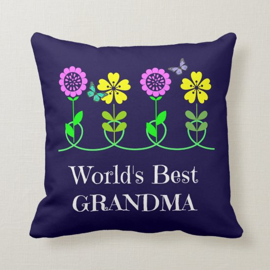 World's Best Grandma, pretty floral design Throw Pillow