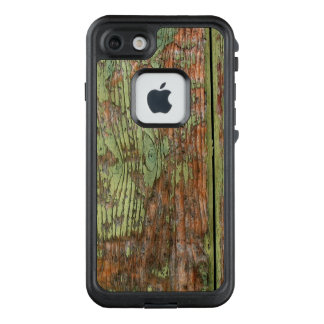 Worn and Weathered Green Barnwood LifeProof FRĒ iPhone 7 Case