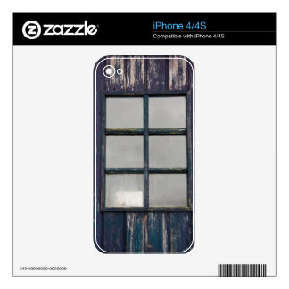 Worn wooden window decals for the iPhone 4S