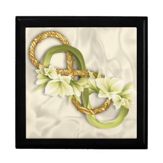 Woven Double Infinity in Gold & Cowlilies-White 1 Jewelry Box