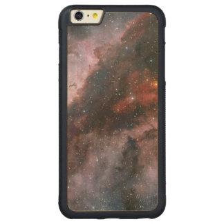 WR 22 y regiones de Eta Carinae de la nebulosa de Funda Para iPhone 6 Plus De Carved® De Nogal