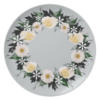 "Wreath ""Simple Star"" White Flowers Melamine Plate"