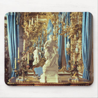 Writing table and statue of Louis XV Mouse Pad