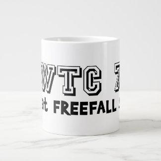 WTC 7 bajó a la velocidad libre de la caída Taza Extra Grande