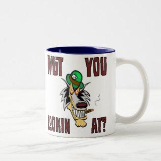 ¿WUT USTED LOOKIN EN?  Hotrods de la mascota de Taza De Café De Dos Colores