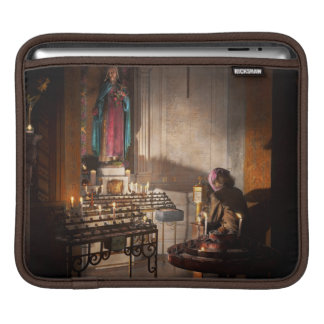 WWII - I'll pray for you 1944 iPad Sleeve