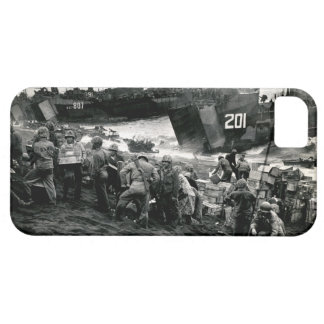WWII Marines offload Supplies on Iwo Jima iPhone SE/5/5s Case