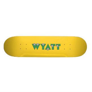 Wyatt en verde del fútbol patinetas personalizadas