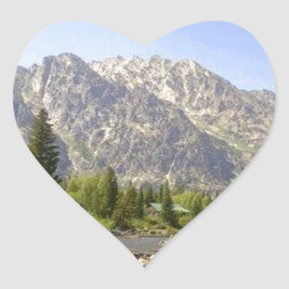 WYOMING - TETONS HEART STICKER