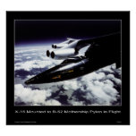 X-15 montado al pilón de la maternidad B-52 en vue Posters