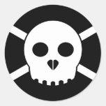 X-Cráneo blanco más enfermo Etiquetas Redondas