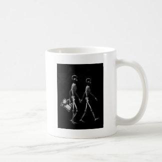 X-Ray Skeleton Couple Travelling Black White Classic White Coffee Mug