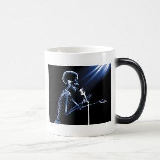 X-RAY SKELETON SINGING ON RETRO MIC - BLUE 11 OZ MAGIC HEAT Color-Changing COFFEE MUG