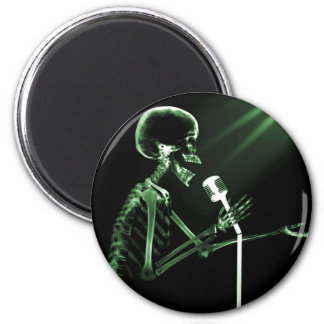 X-RAY SKELETON SINGING ON RETRO MIC - GREEN 2 INCH ROUND MAGNET