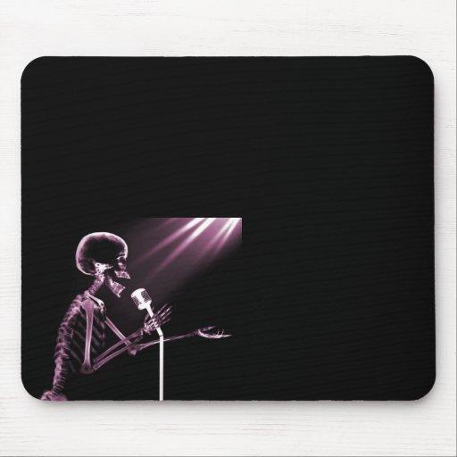 X-RAY VISION SKELETON SINGING ON RETRO MIC - PINK MOUSE PAD