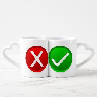 X rojo - Ningún/símbolo incorrecto Tazas Para Parejas