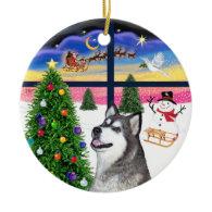 Xmas Window - Alaskan Malamute Christmas Tree Ornament