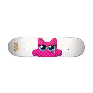 Xoddo Magenta Skate Board