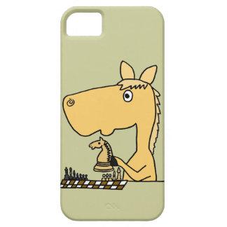 XX caballo que juega el dibujo animado del ajedrez iPhone 5 Funda