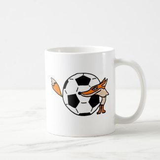 XX Fox detrás de un arte del balón de fútbol Taza De Café