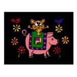 XX gato que se sienta en un cerdo con arte popular Tarjetas Postales