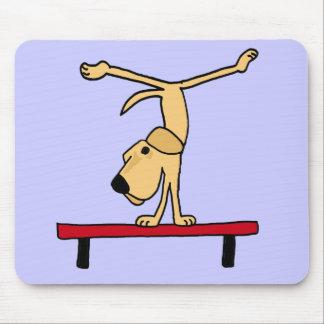 XX Labrador amarillo en dibujo animado del haz de  Alfombrilla De Ratones