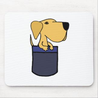 XX perro amarillo de Labrador en un bolsillo Tapetes De Ratones